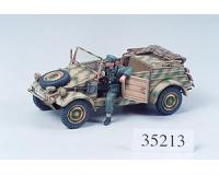 Tamiya - 35213 - German Kuebelwagen Type 82 (1:35 Scale)